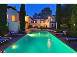 20120702212212Madonnas-Beverly-Hills-Palace-7